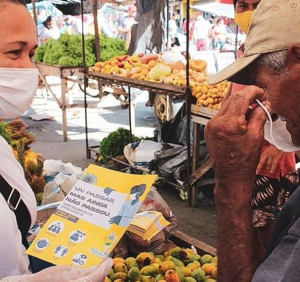 Governo realiza campanha de conscientização na feira livre